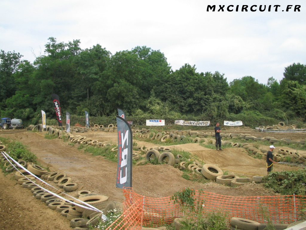 photos du terrain circuit moto cross de brie comte. Black Bedroom Furniture Sets. Home Design Ideas