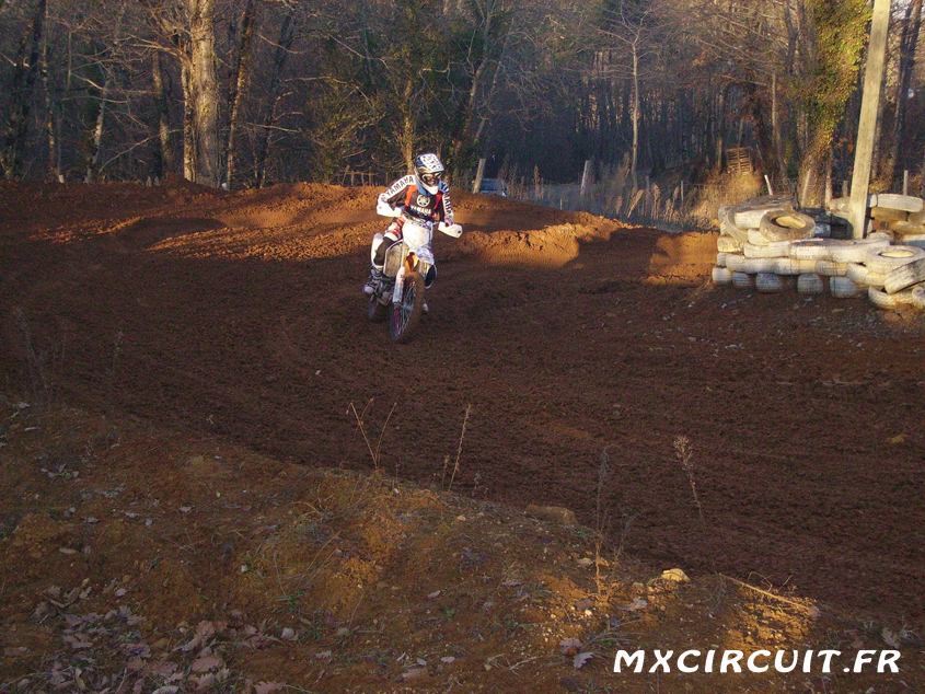 Photo 1 du Circuit Moto Cross de Saint Cybranet