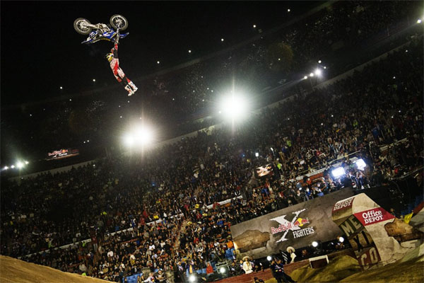 Red Bull X-Fighters Mexico 2015 - Clinton Moore la surprise