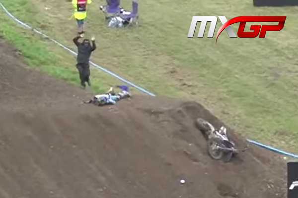 Terrible crash de Romain Febvre en course qualif