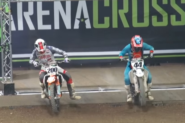 Course sprint 2 temps Vs 4 temps à l'arenacross de Belfast