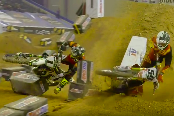 Double Crash dans les Whoops de l'Arenacross � Baltimore