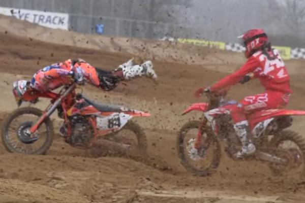 Jeffrey Herlings chute violemment lors d'une course MX1 en Italie