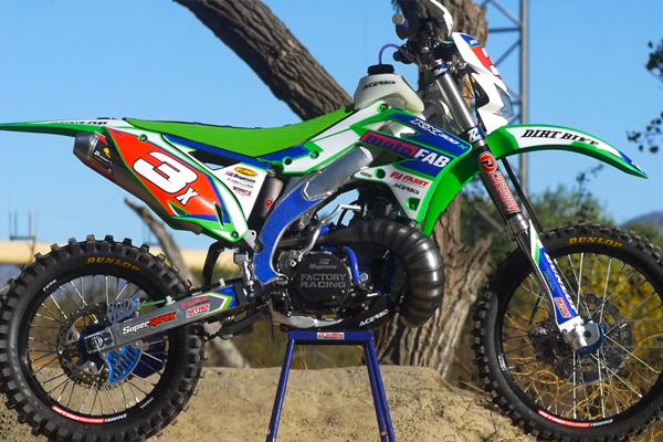 MotoFab Industries crée une incroyable KX 300cc 2 temps