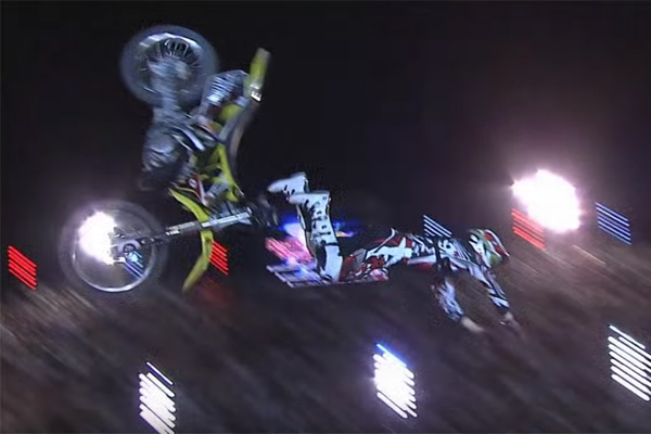 Les plus incroyables crashs des Red Bull X-Fighters