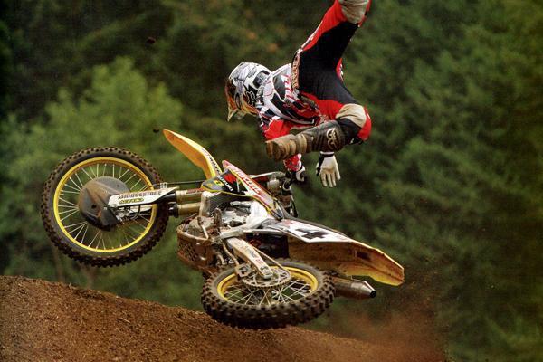 Une mauvaise journée dans la vie d'un pilote de motocross, Volume 25