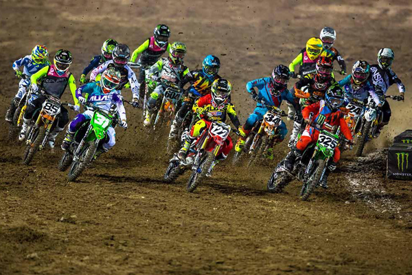 Monster Energy Cup, Les courses folles en Super Minis
