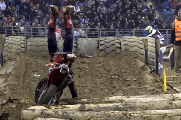 SuperEnduro, la chute acrobatique de Cody Webb en Pologne
