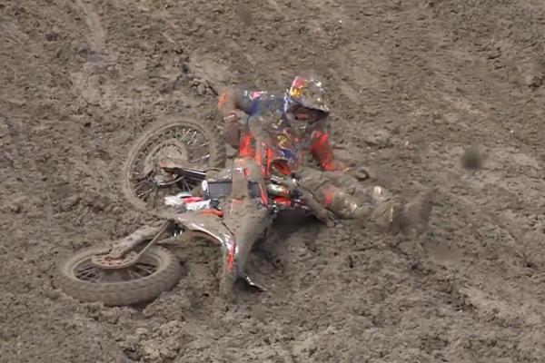 MXGP, Jeffrey Herlings plonge dans la boue du GP Russe