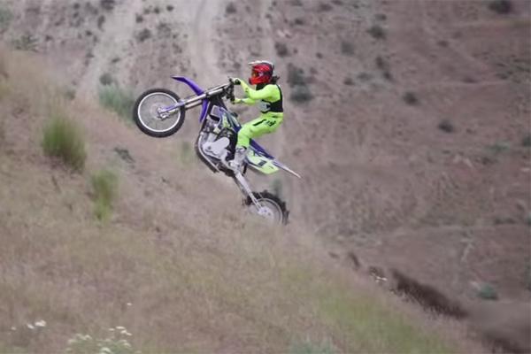 D�couvrez la monstrueuse Nitro Methane Hill Climb Bike de Jason Smith